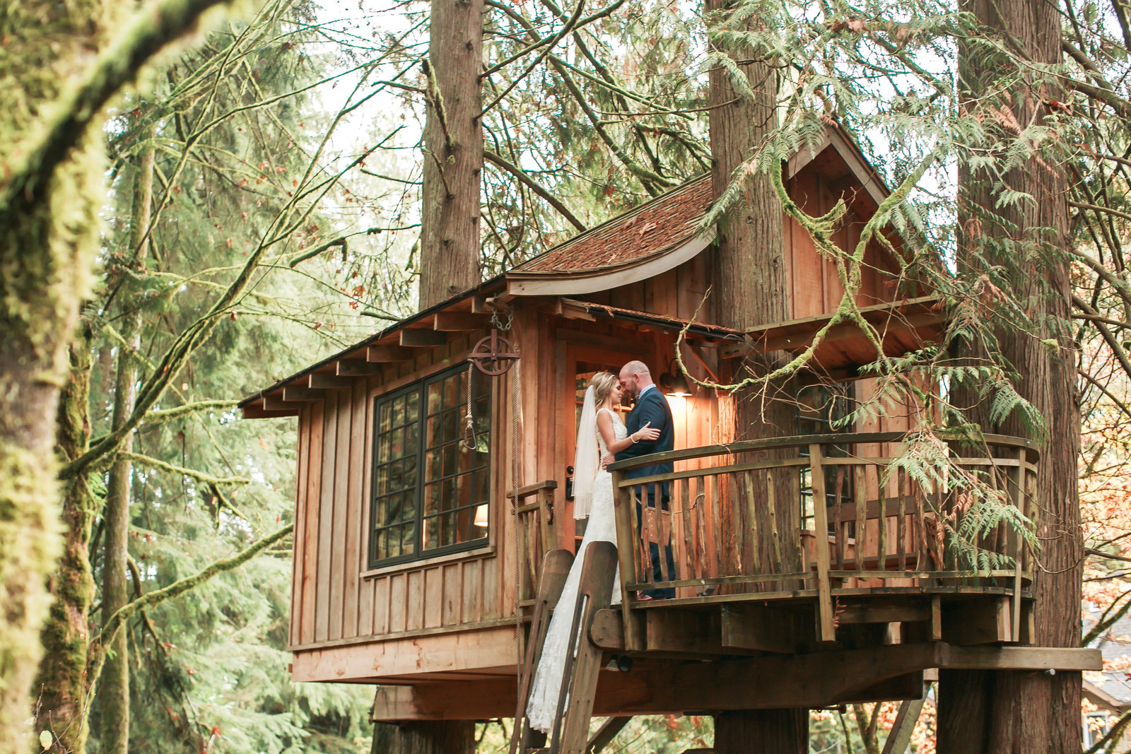 Ashley-Clay-Treehouse-Point-Elopement411586
