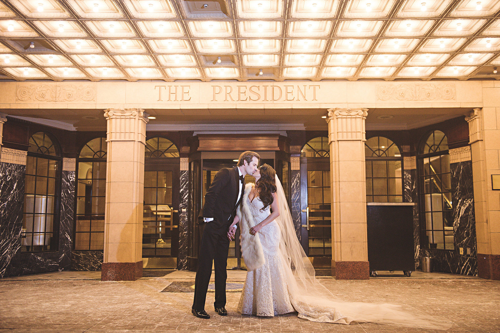 WeddingPlanner_KansasCity_Luxury_Hilton_President_Royals_Player456