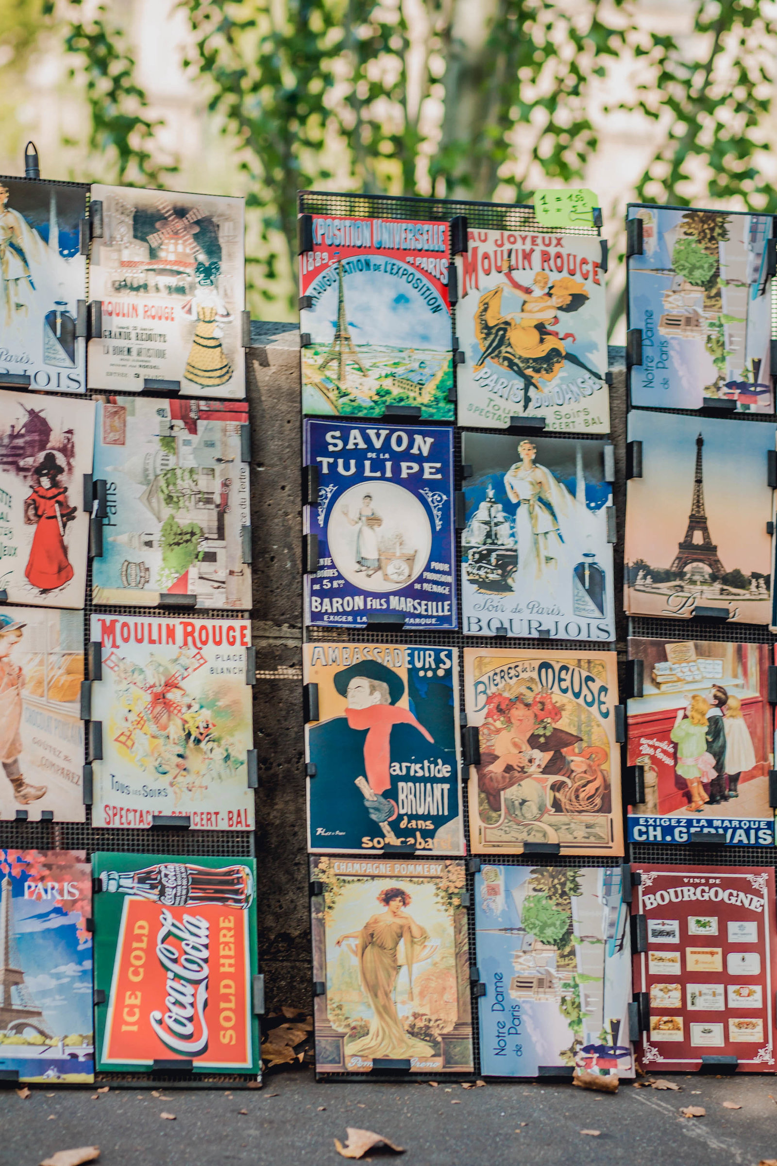 vintage-shop-paris-france-travel-destination-wedding-kate-timbers-photography-1807