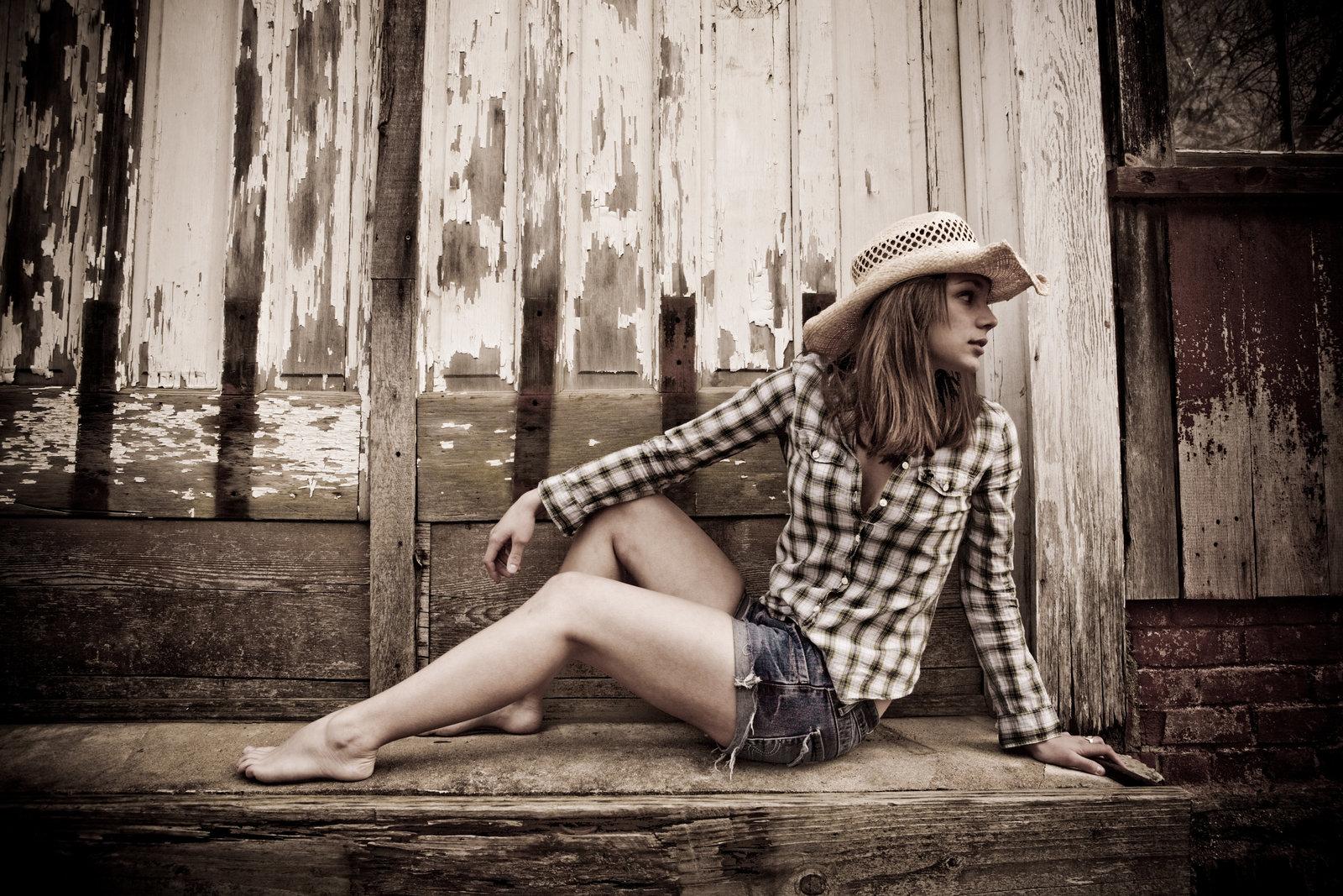 Country theme casual outdoor  high school senior photos barn cowboy hat, Hudson Valley NY photographer