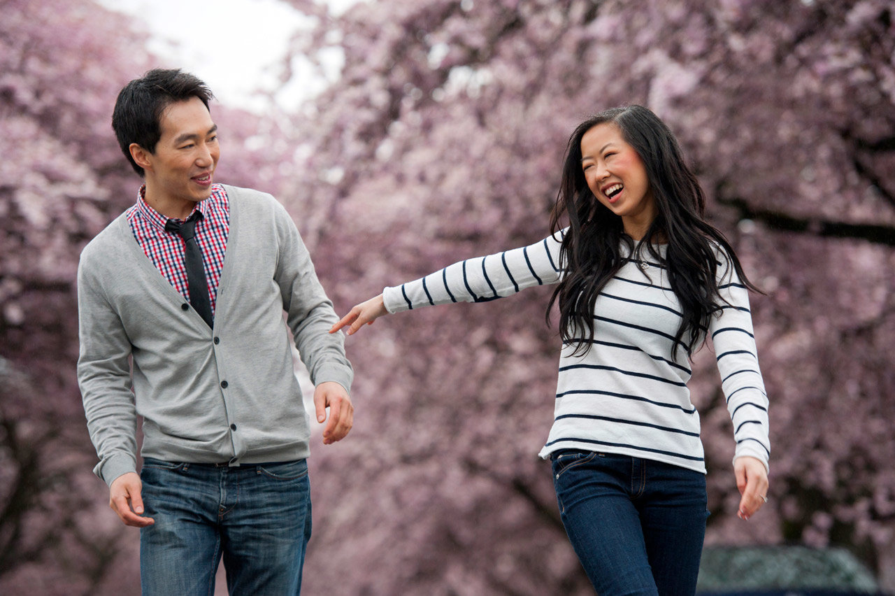 vancouver-wedding-photographer-best-wedding-photographer-cherry-blossom-engagement-photos-DE076