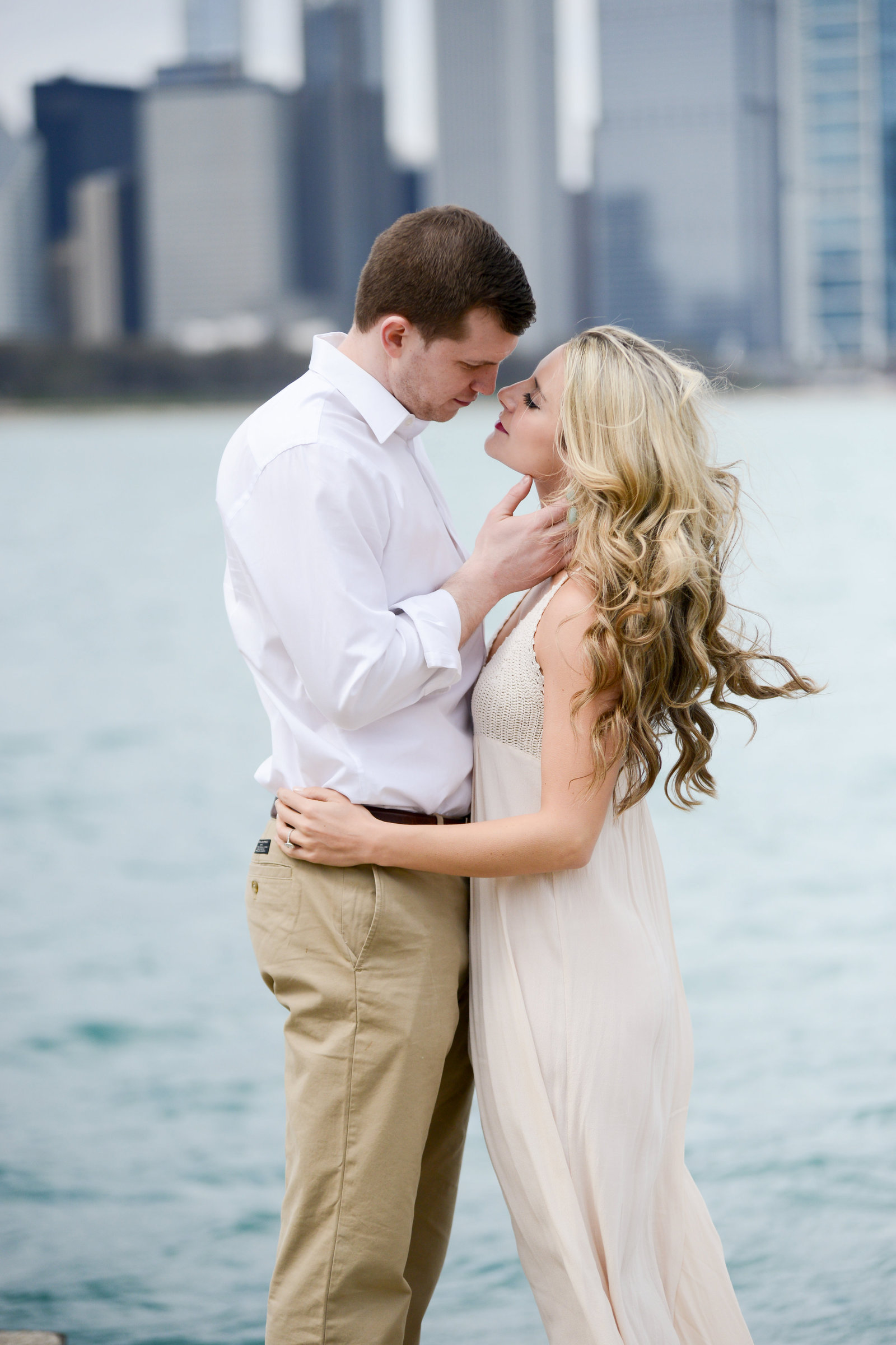 Chicago engagement photo by Sara Ackermann