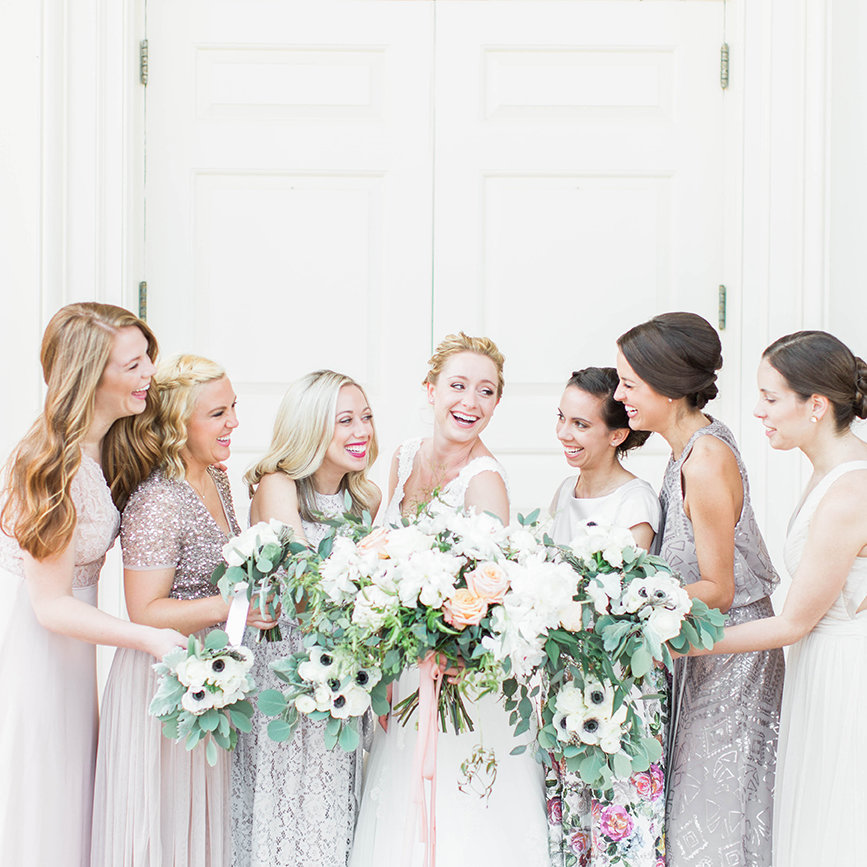happy-laughing-bridesmaids-atlanta-georgia-wedding-lindsey-larue-photo
