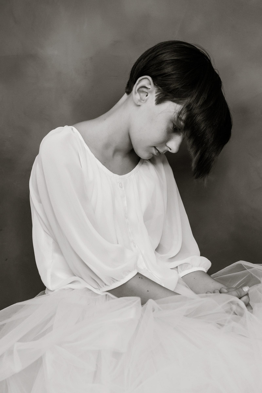 angela-elisabeth-portraits-strength copy