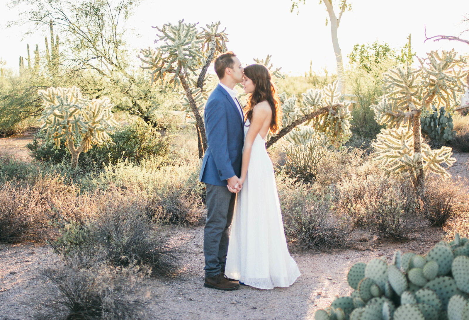 Phoenix wedding photographer Sarah Horne specializes in classic and romantic wedding photography, that conveys emotion and tells a genuine story of each couple.