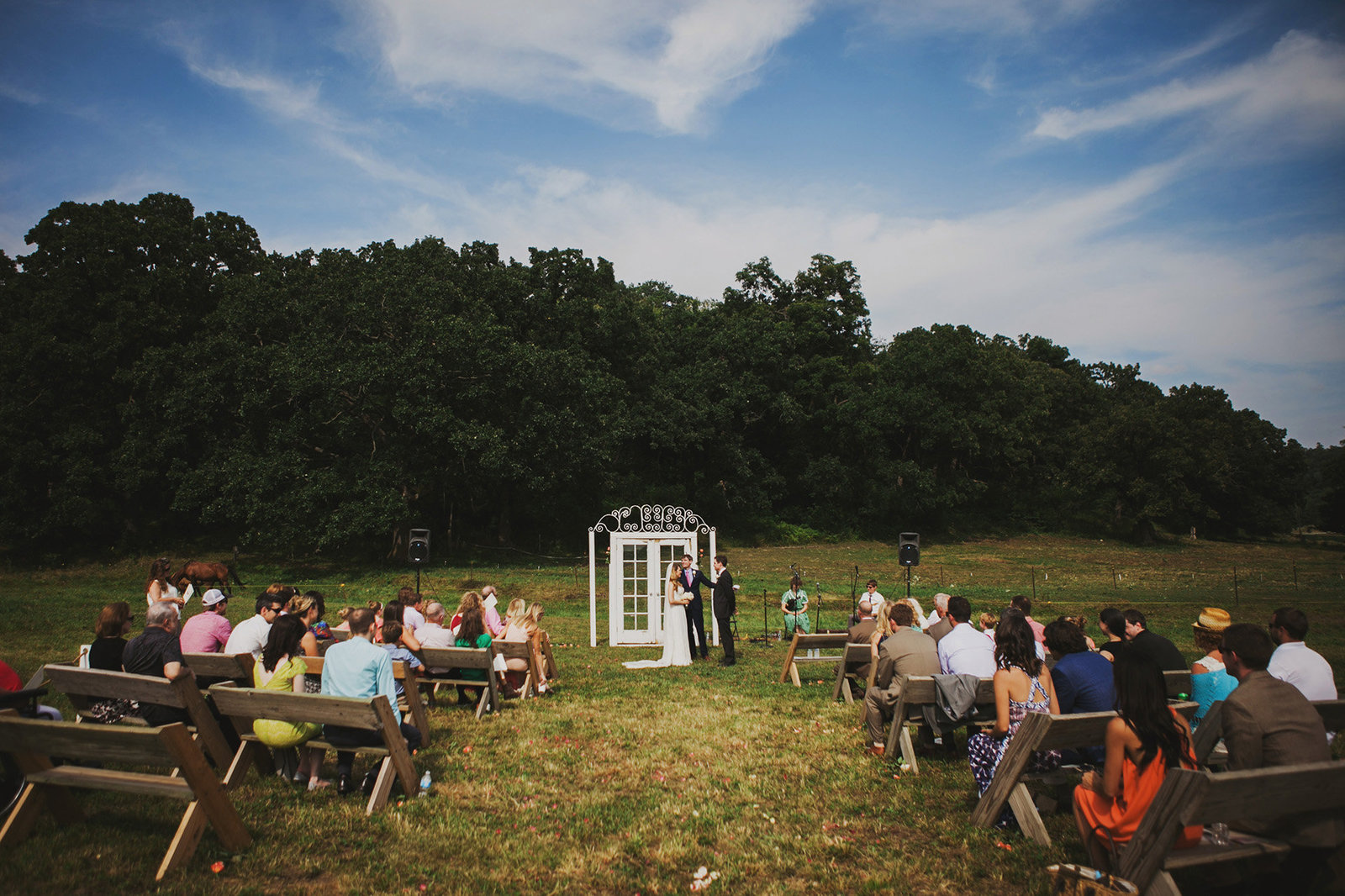 Laid back outdoor wedding in Wisconsin