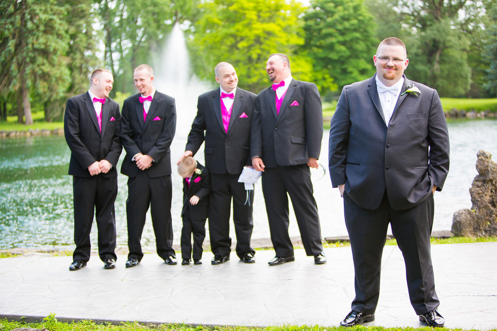 wedding photography groom and groomsmen