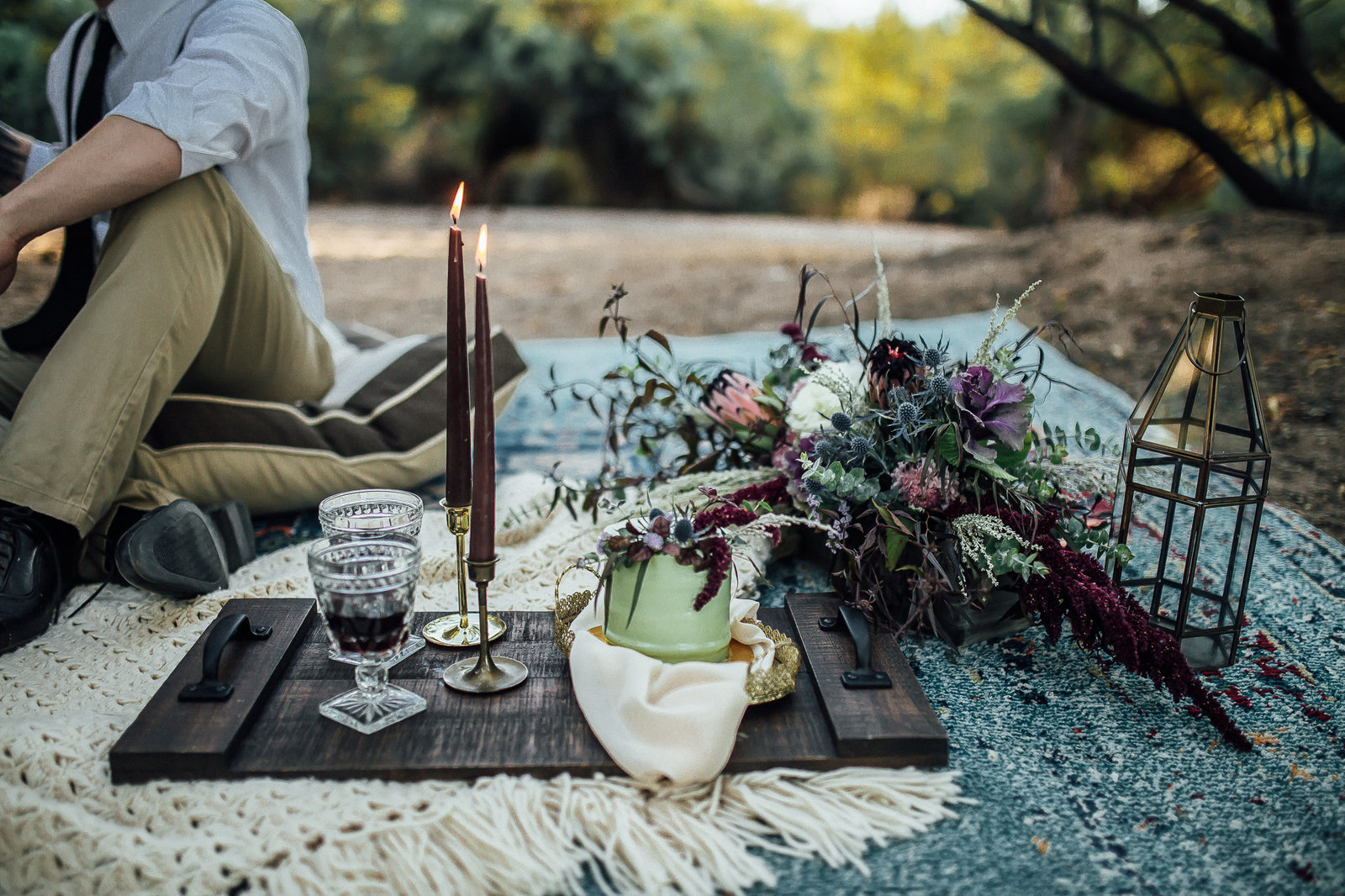 Boho tablscape details with florals, cake along the Salt River in Mesa, AZ