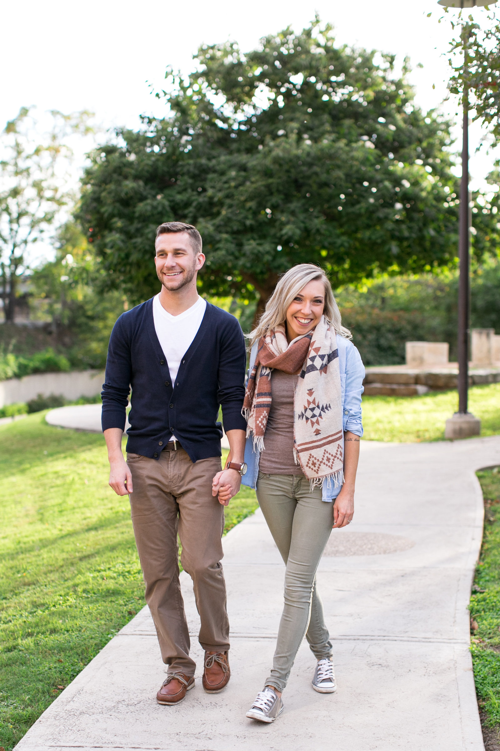 pearl-brewery-san-antonio-texas-engagement-session-river-walk-photo-13