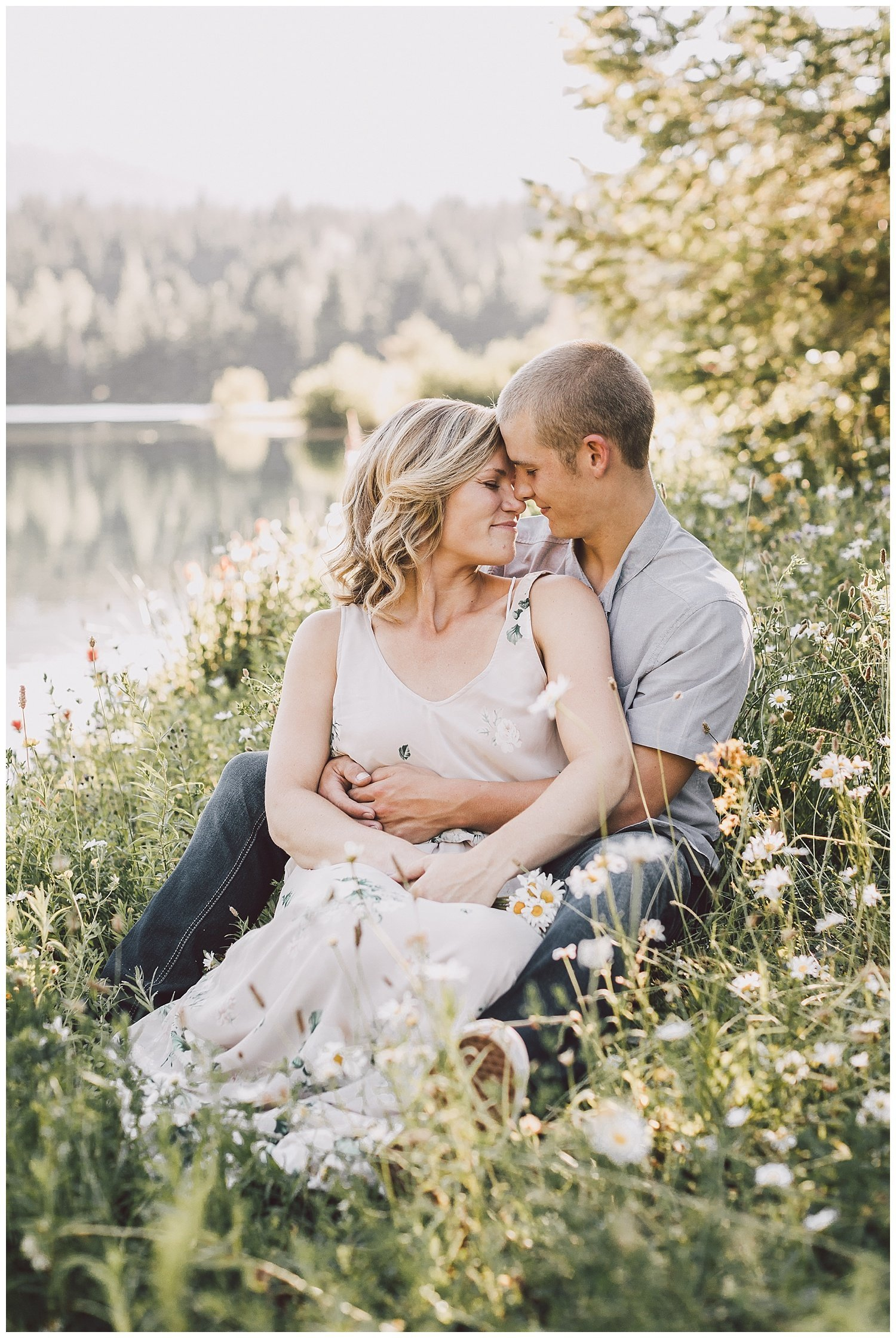 gold-creek-pond-engagement-session-luma-weddings_0009