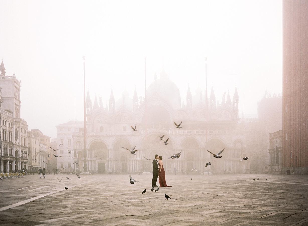 Venice_romantic_elopement_red_dress_JoanneFlemingDesign_Archetype (1)