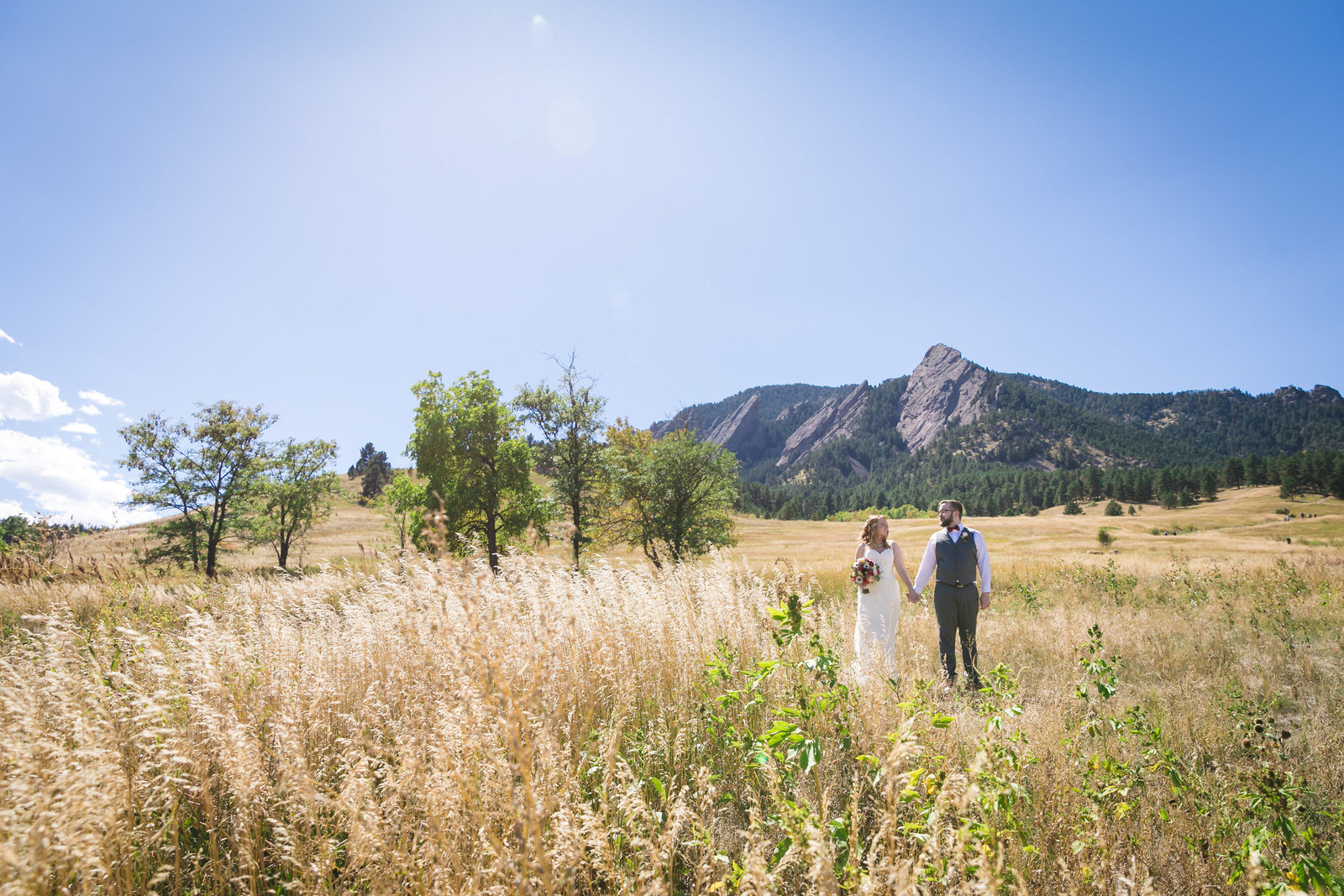 Zach-&-Lizzie's-Colorado-Outdoor-Wedding-Photos-by-Amenson-Studio-0114