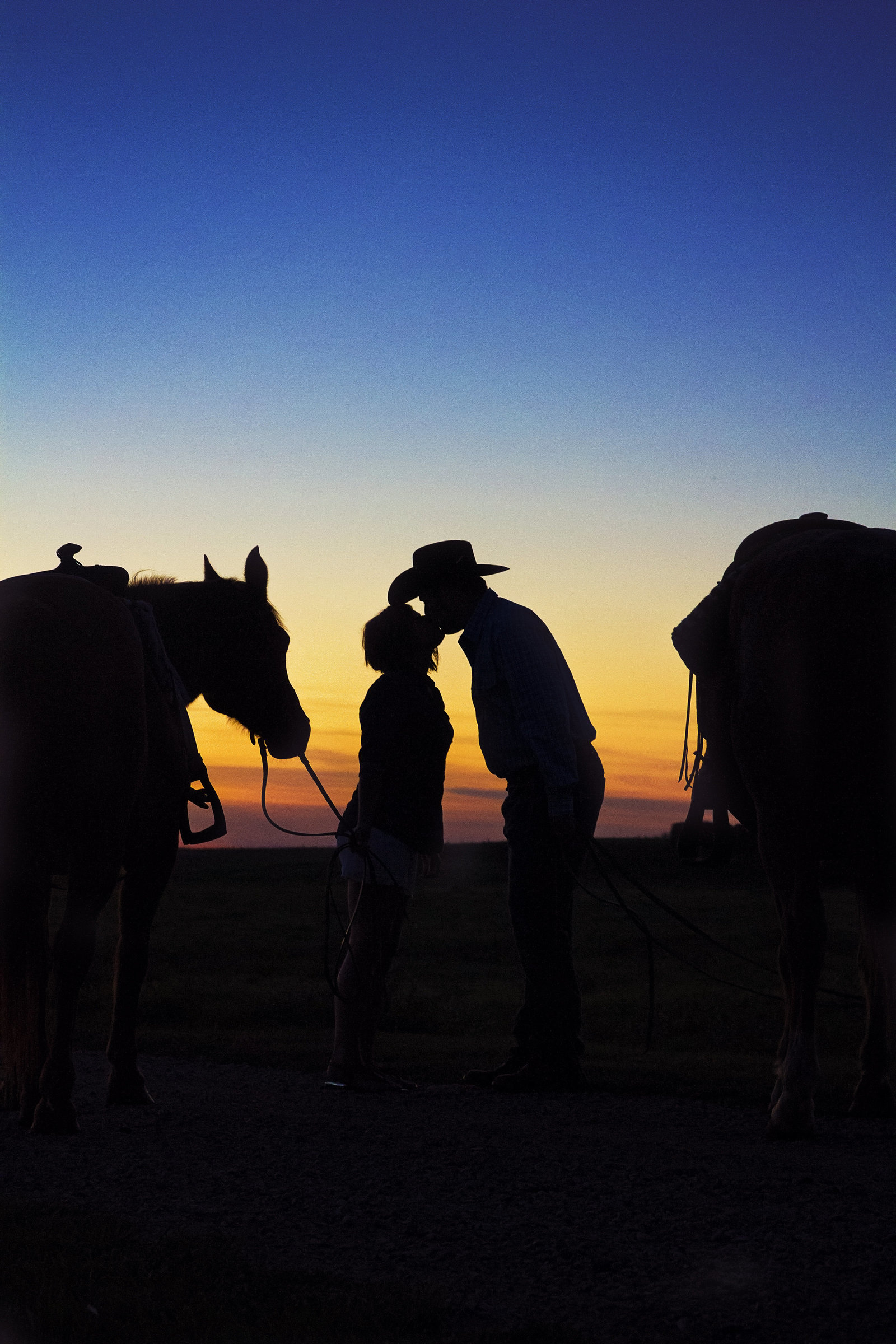 engagement | elizabeth street photography | silhouette |  cowboy | horse | Streeter, ND