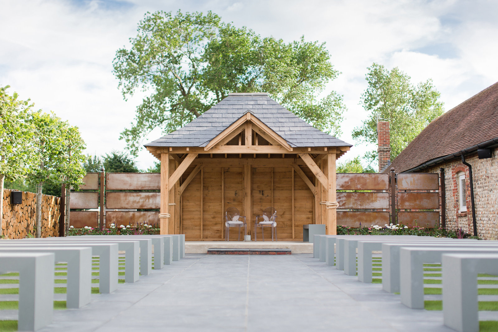 adorlee-2304-southend-barns-new-outdoor-ceremony