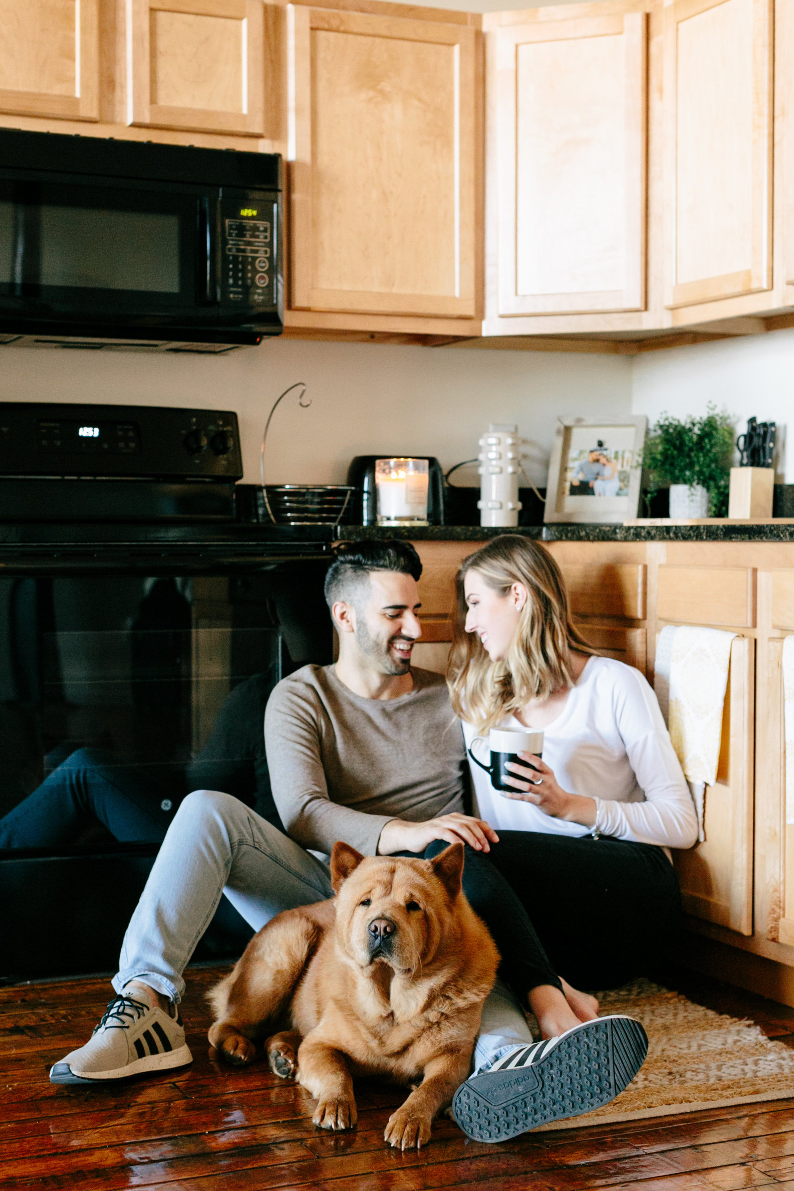 in-home-lifestyle-engagement-photography-rhodeisland1062
