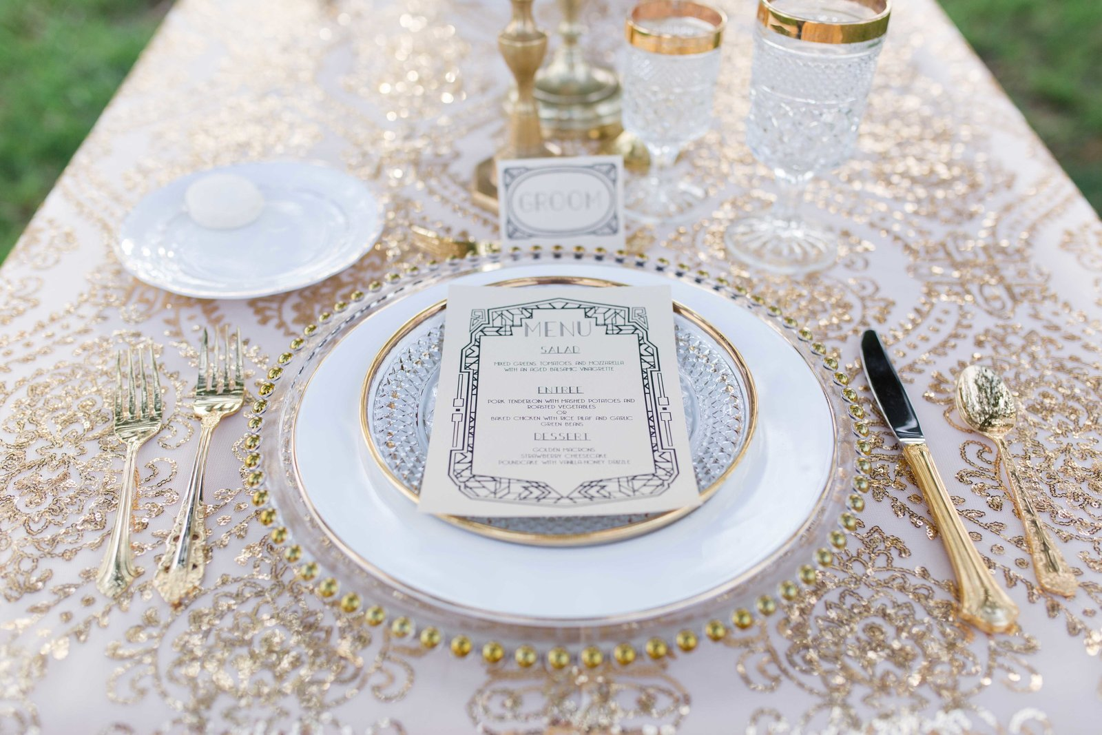 Gold sequin table decor for Great Gatsby Wedding at Parterre