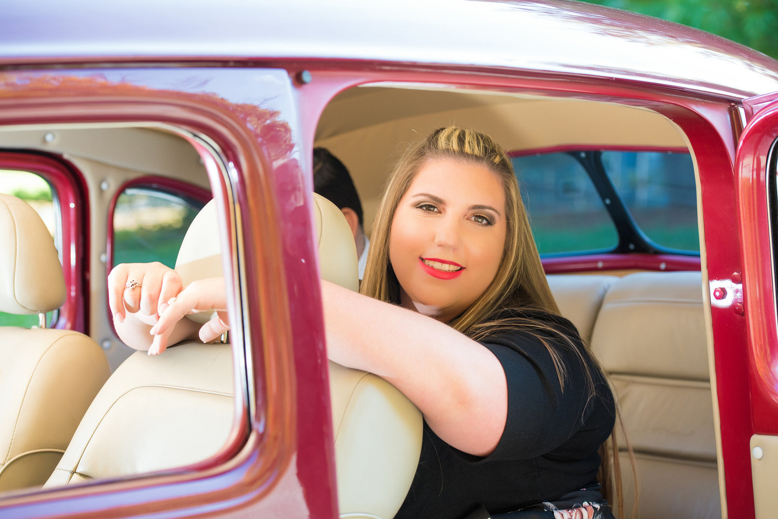 Retro_Pinup_Car_engagement_session_Nj035