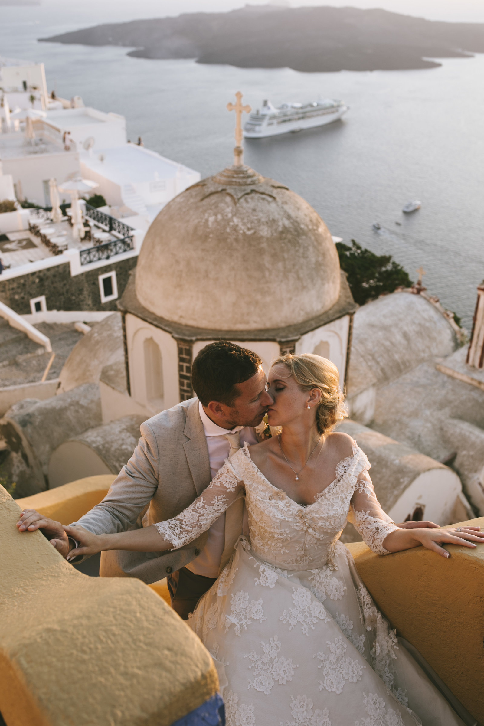 Santorini_wedding_bride_dress_by_JoanneFlemingDesign_PicNikosGogas (5)