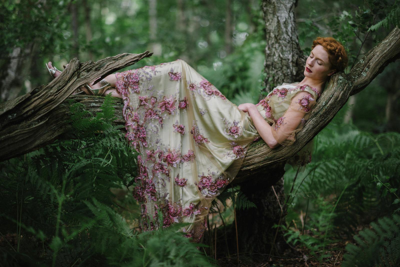 Gainsborough_belle_epoque_green_lilac_wedding_dress_JoanneFlemingDesign_JMS (14)web