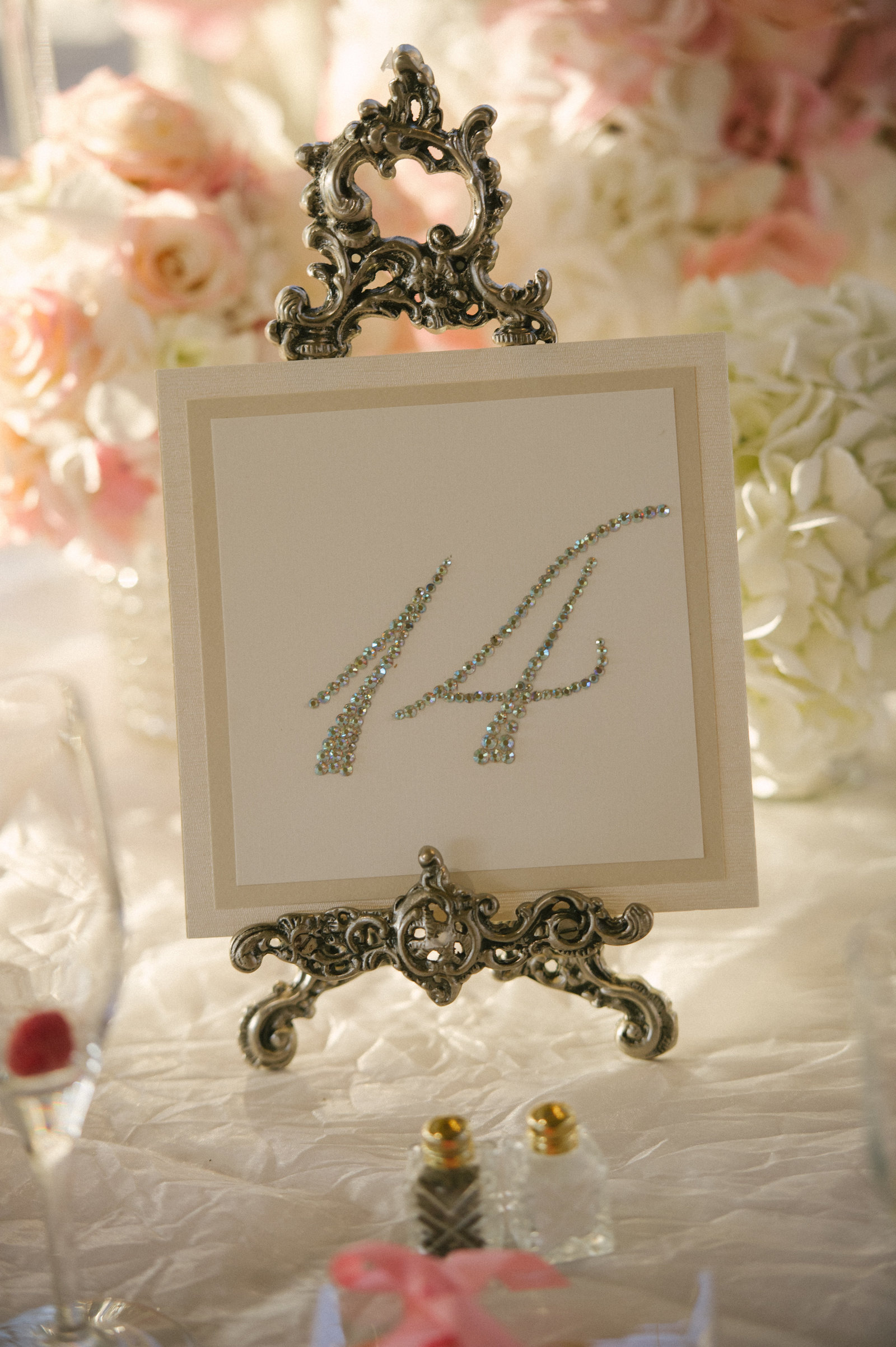 ashford estate wedding, Jimmy choo, MDS floral, Pin it up bridal