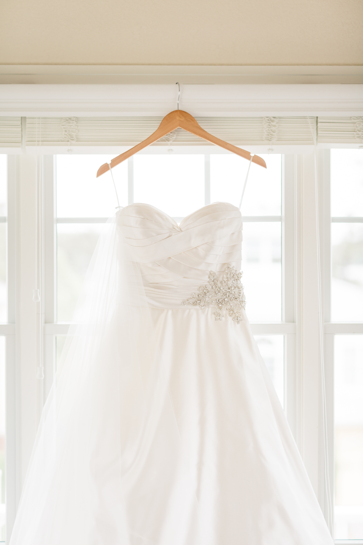 i-cape-charles-wedding-dress