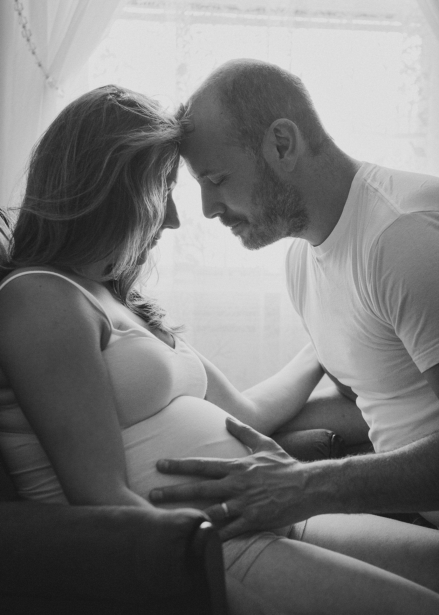 Wallkill NY lifestyle in-home maternity photos by Hudson Valley professional photographer in Cornwall