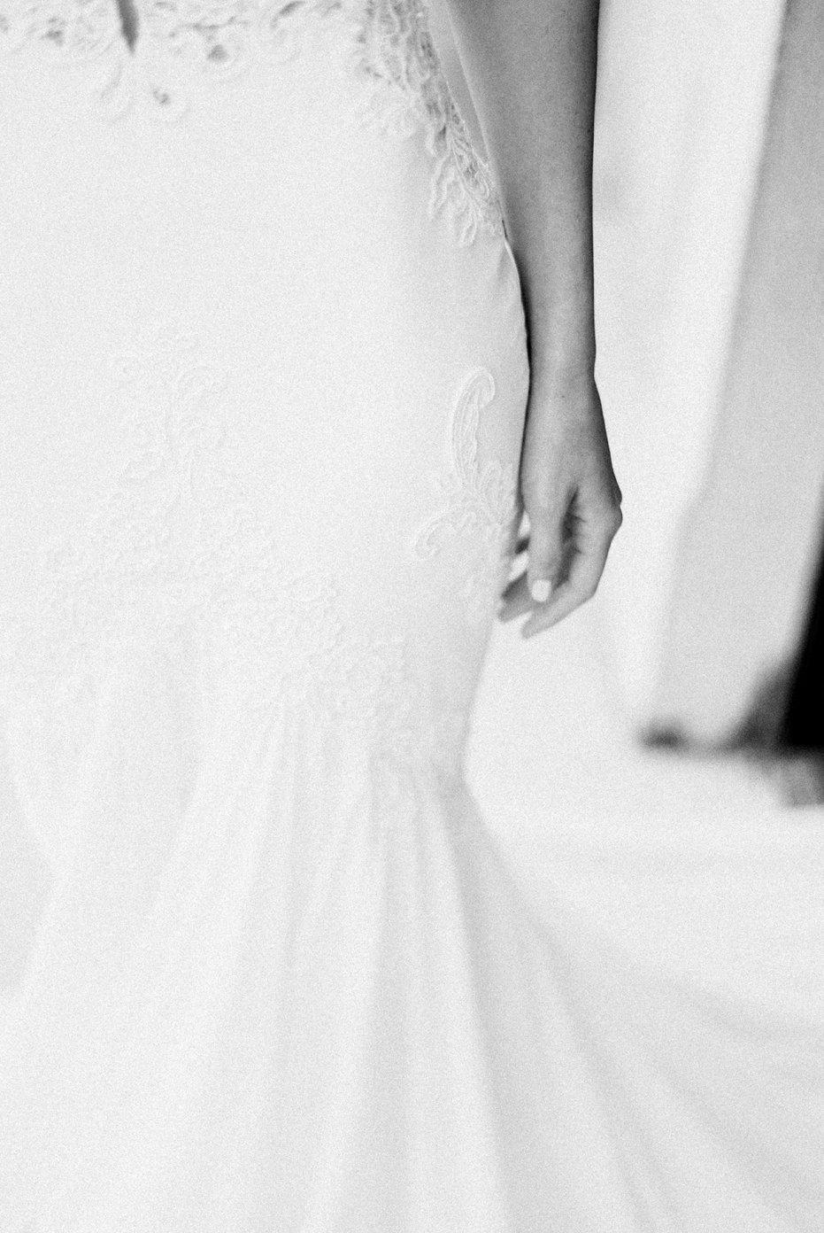lake_como_italy_villa_balbianello_destination_wedding_melanie_gabrielle_016