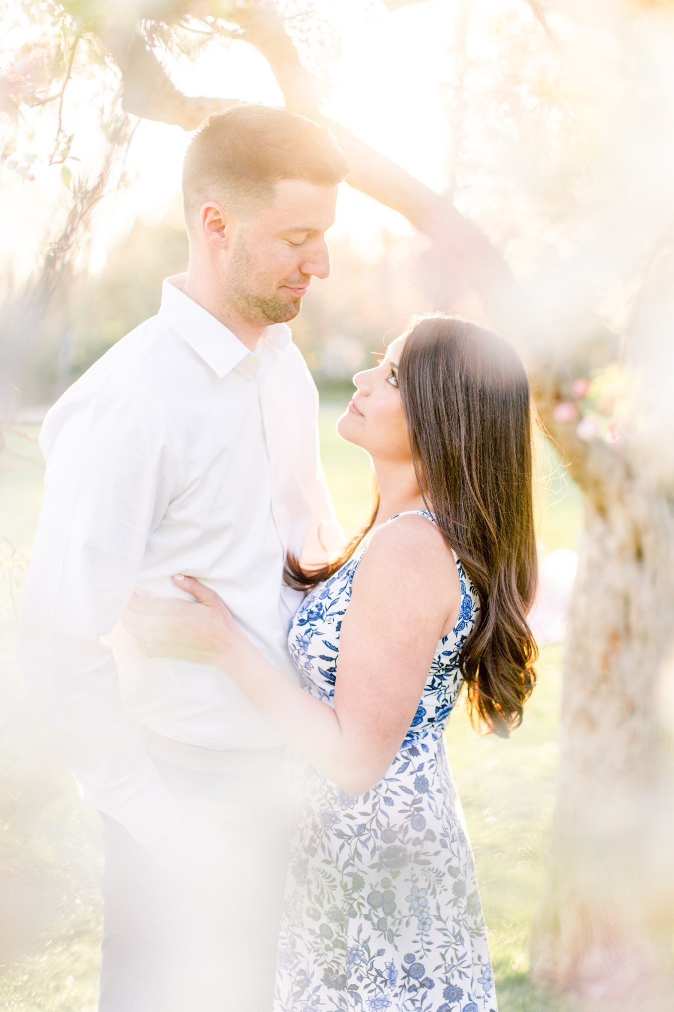 spring pastel engagement session at sherwood gardens baltimore by chesapeake charm photography