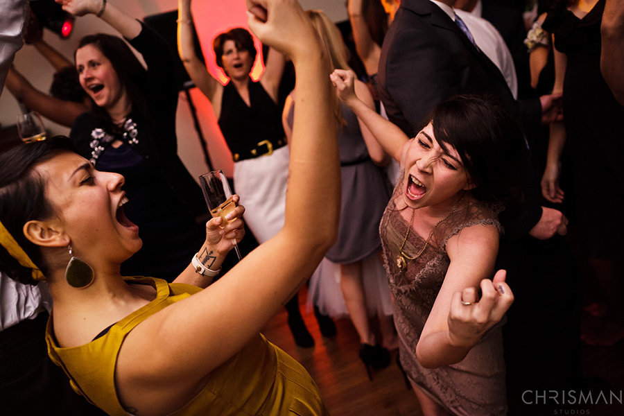 We love to create incredible wedding danceparties