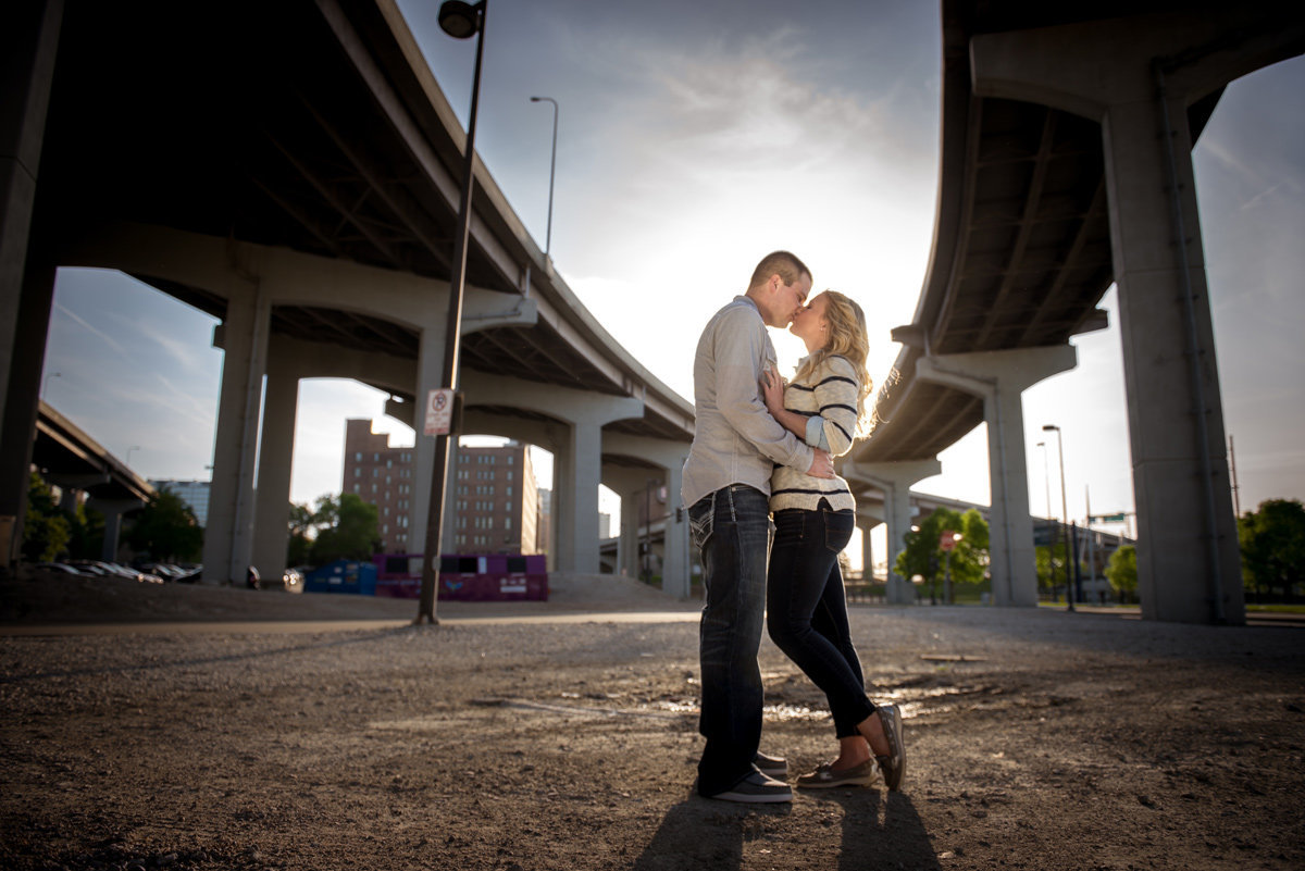 couple-kiss-under-freeway