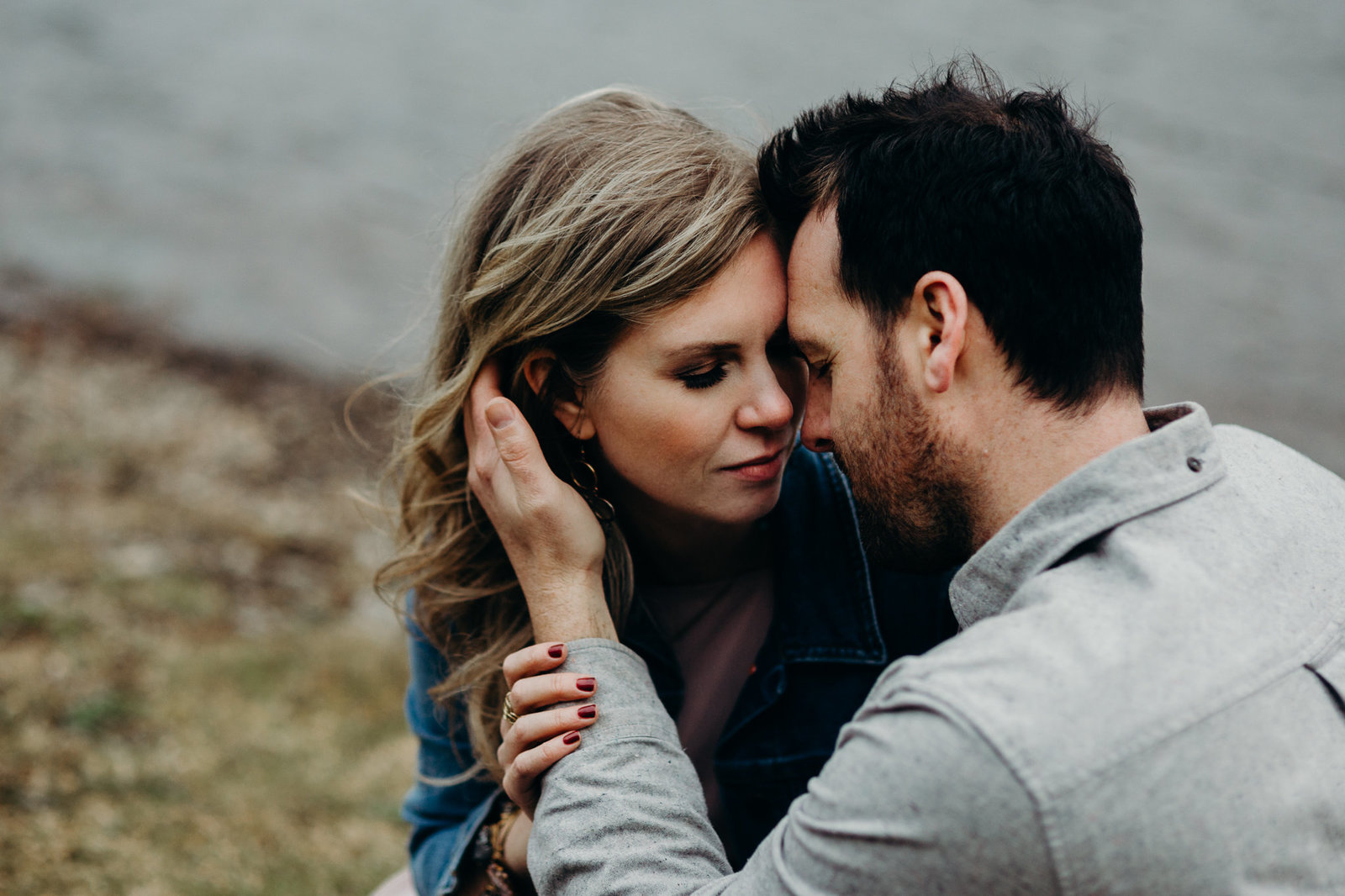 Engagement session during golden hour in Seattle, WA at Rattlesnake Lake