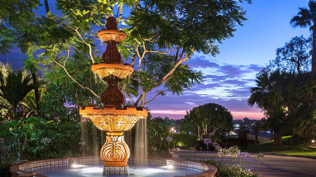 Hyatt-Regency-Newport-Beach-P141-Fountain.gallery-2-3-item-panel-EDIT