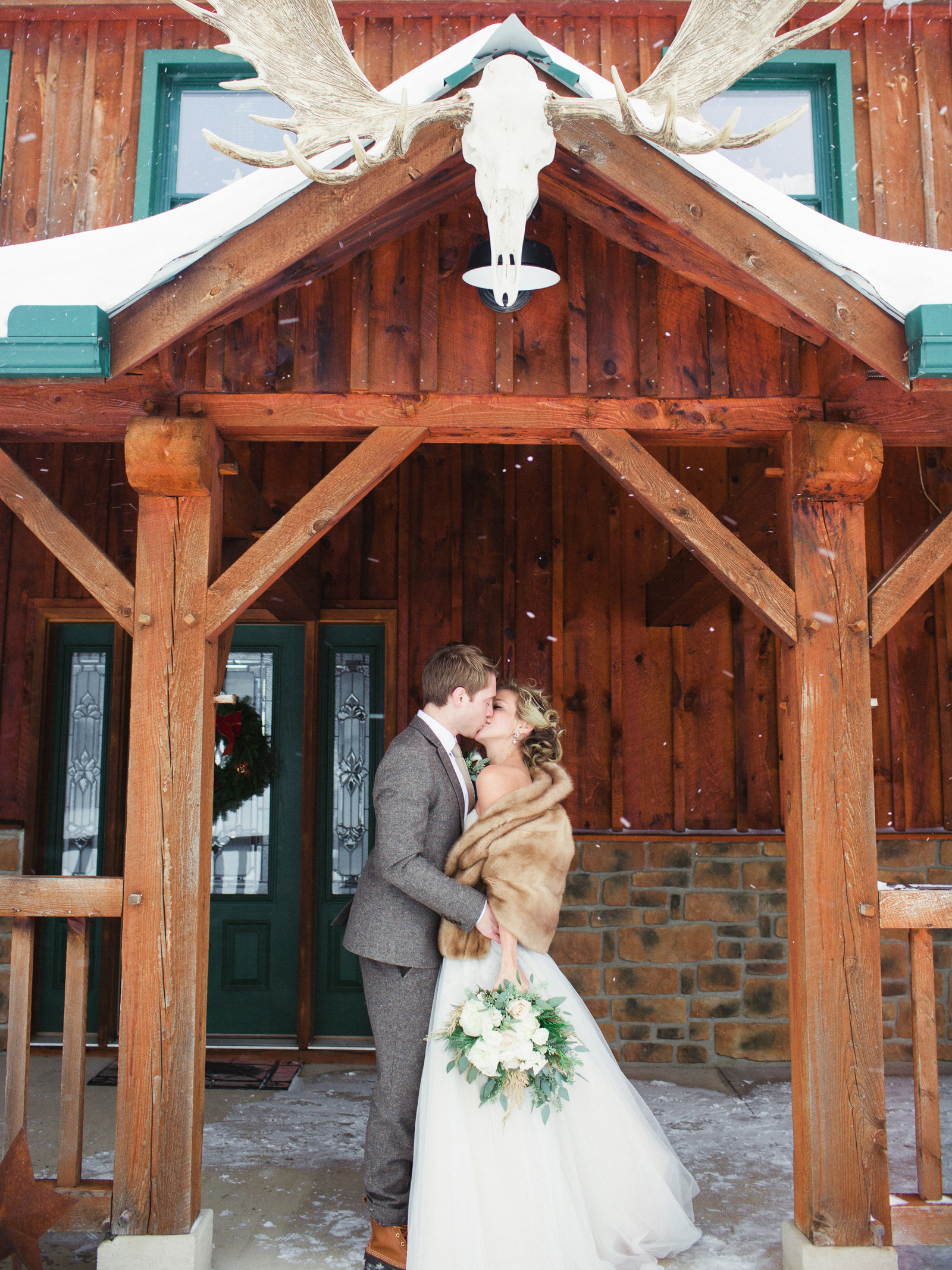 SnowyWedding-LaurenFairPhotography-MS01-29