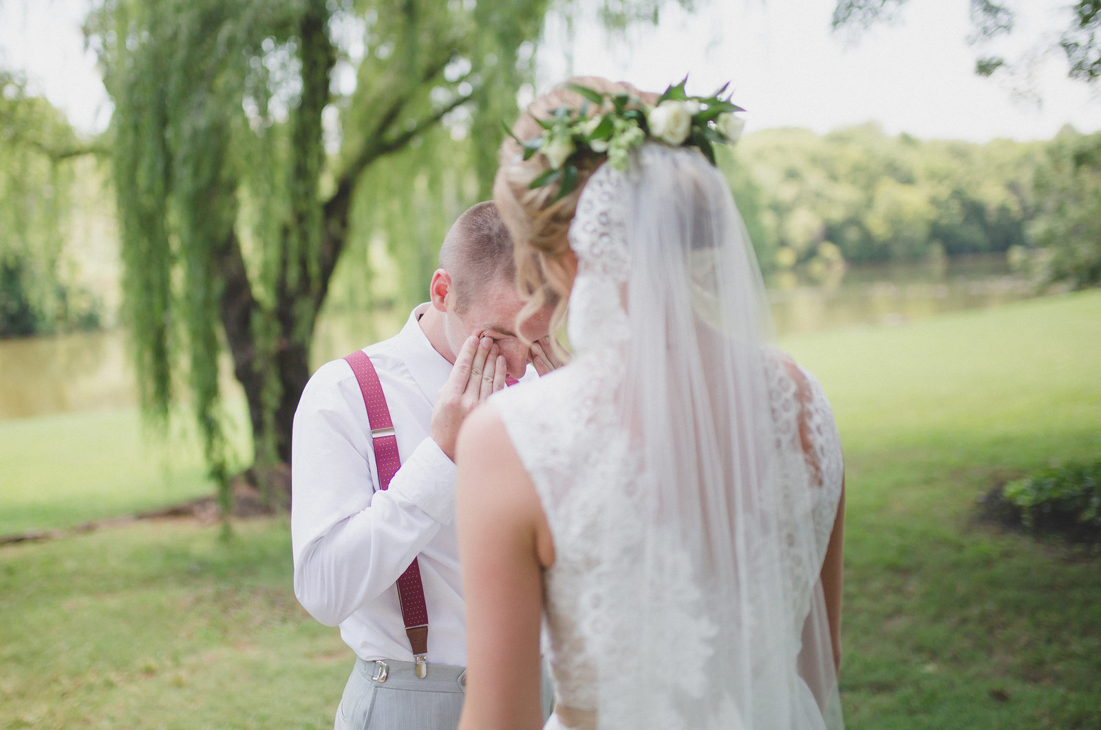 Knoxville Wedding Photographer serving East Tennessee and Destination Wedding clients