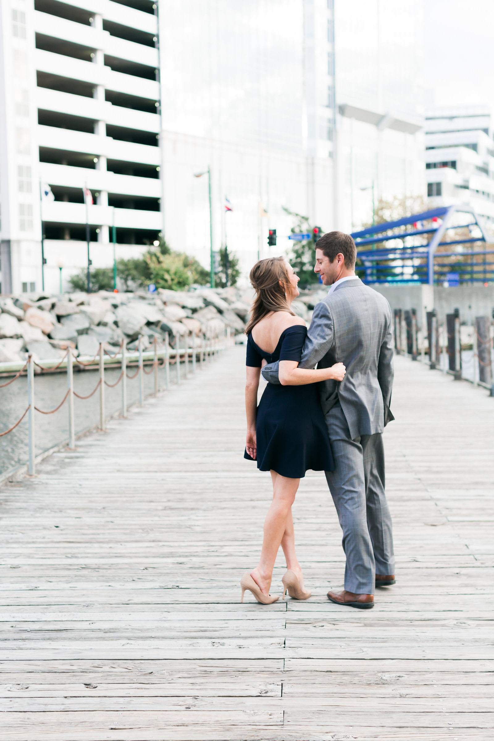 Downtown Norfolk Classic Engagement Session by Elizabeth Friske Photography-11