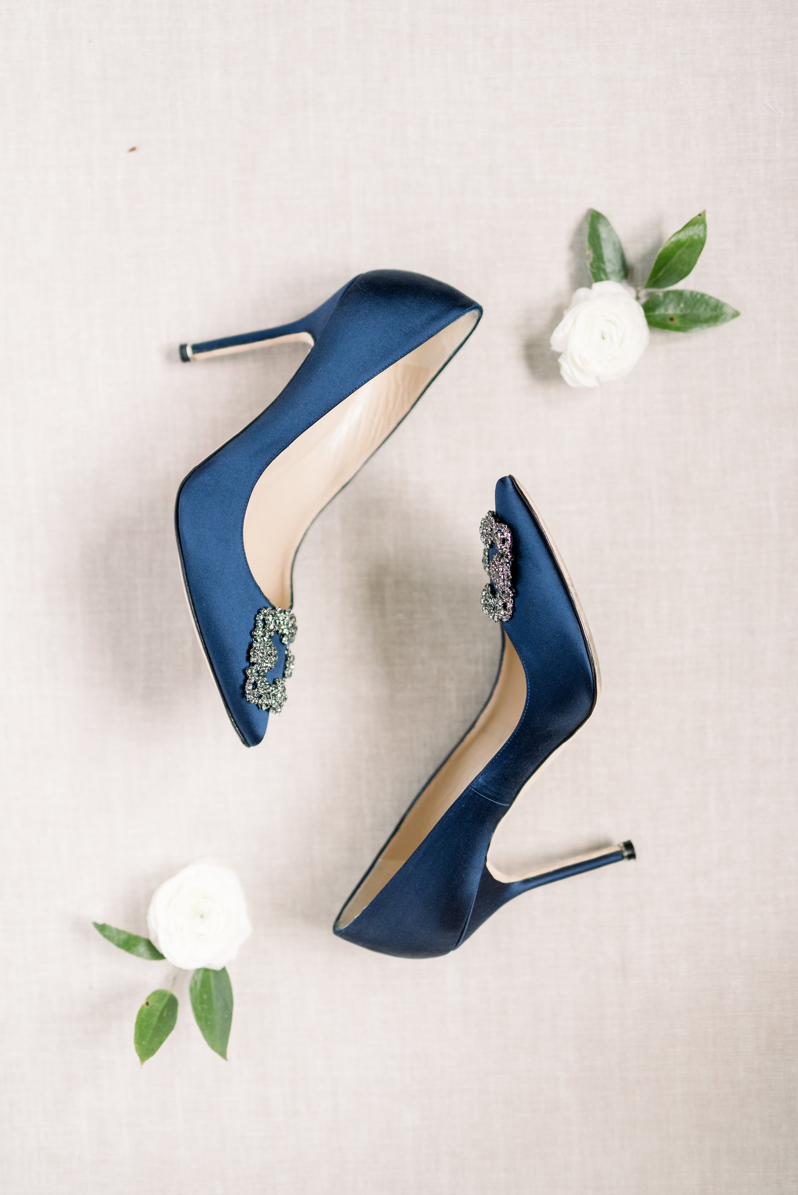 navy-blue-manolos-pippin-hill-charlottesville-virginia-wedding-photo