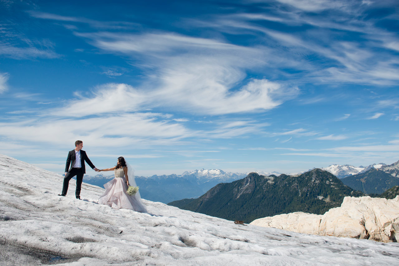 vancouver-wedding-photographer-best-wedding-photographer-mountain-engagement-photos-JD066