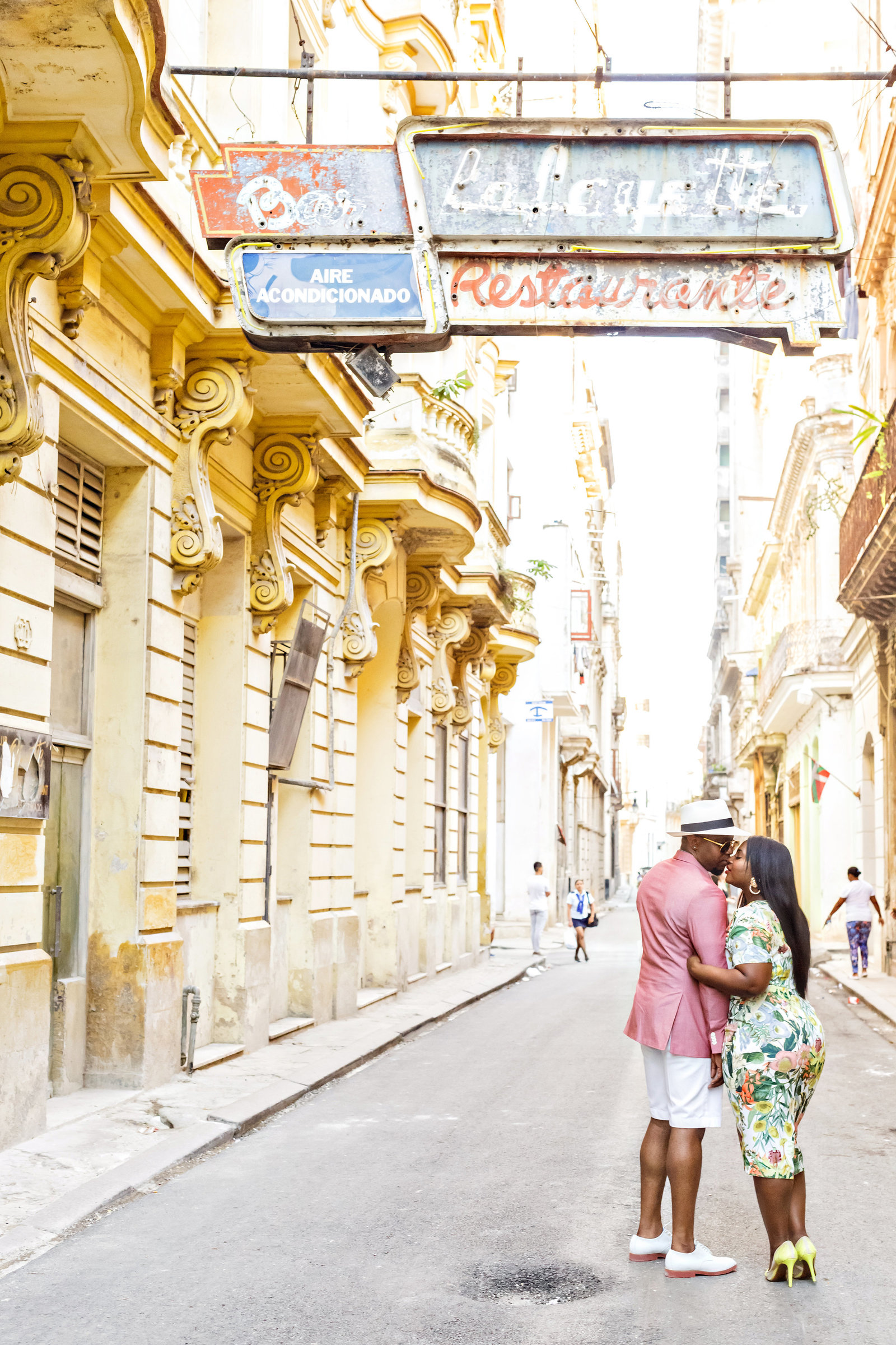 AmyAnaiz_Makini_Regal_Destination_Engagement_Havana_Cuba_012