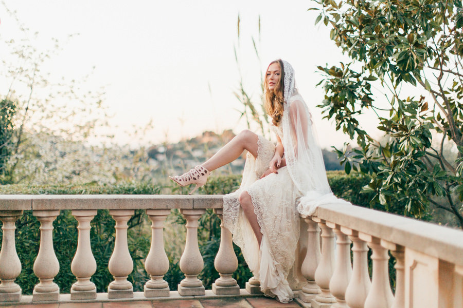 Artemis_champagne_beaded_lace_boho_wedding_dress_veil_JoanneFlemingDesign_MichaelaKlouda