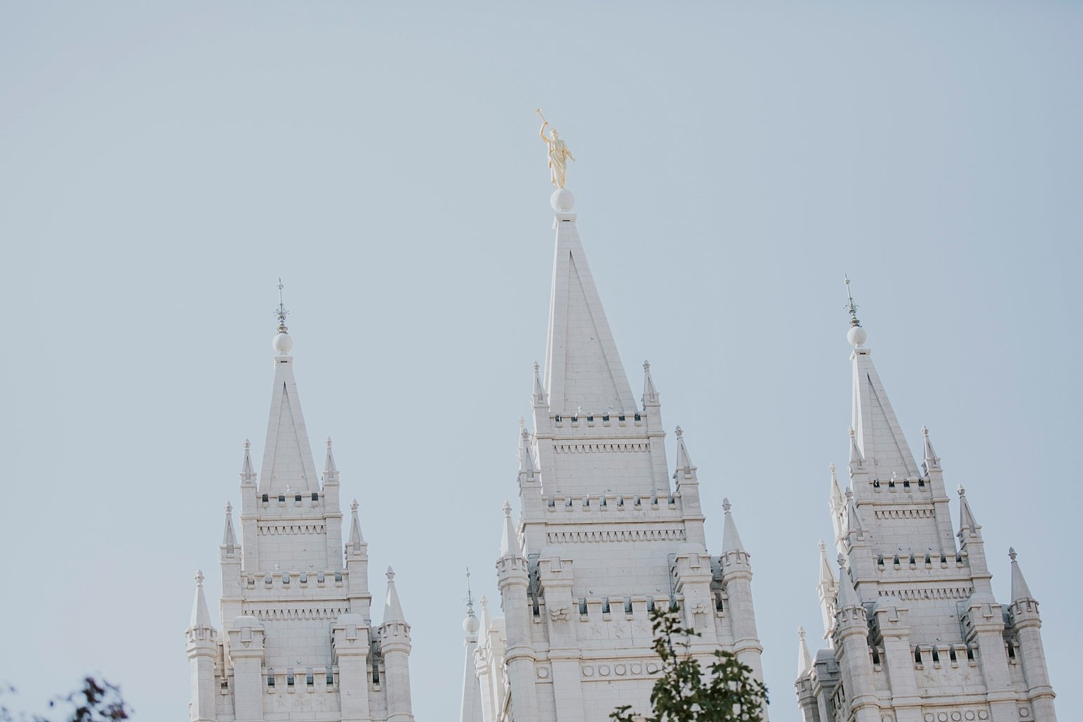 Utah Wedding Photographer Kamille Bauer Cody Calderwood Salt Lake Temple Salt Lake Hardware Building_0308