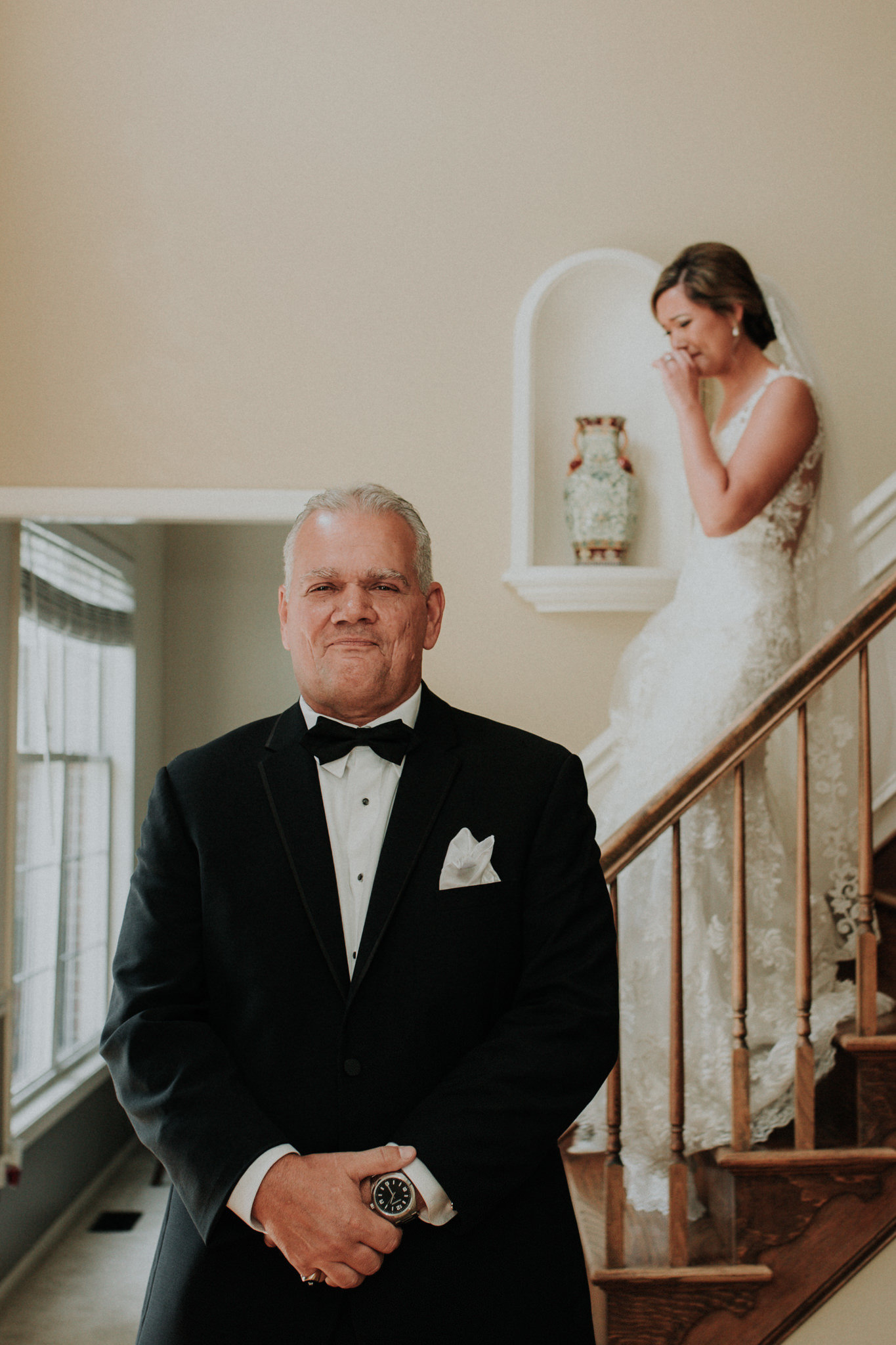 father sees his daughter in her wedding dress