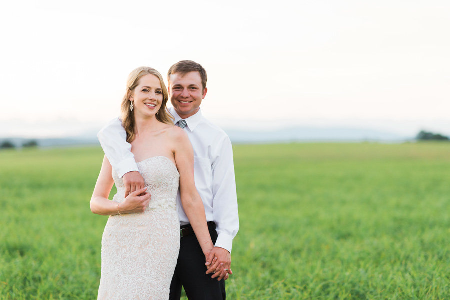 Intimate-Barn-Lewisburg-Wedding-photos-by-carrie-b-joines (9)