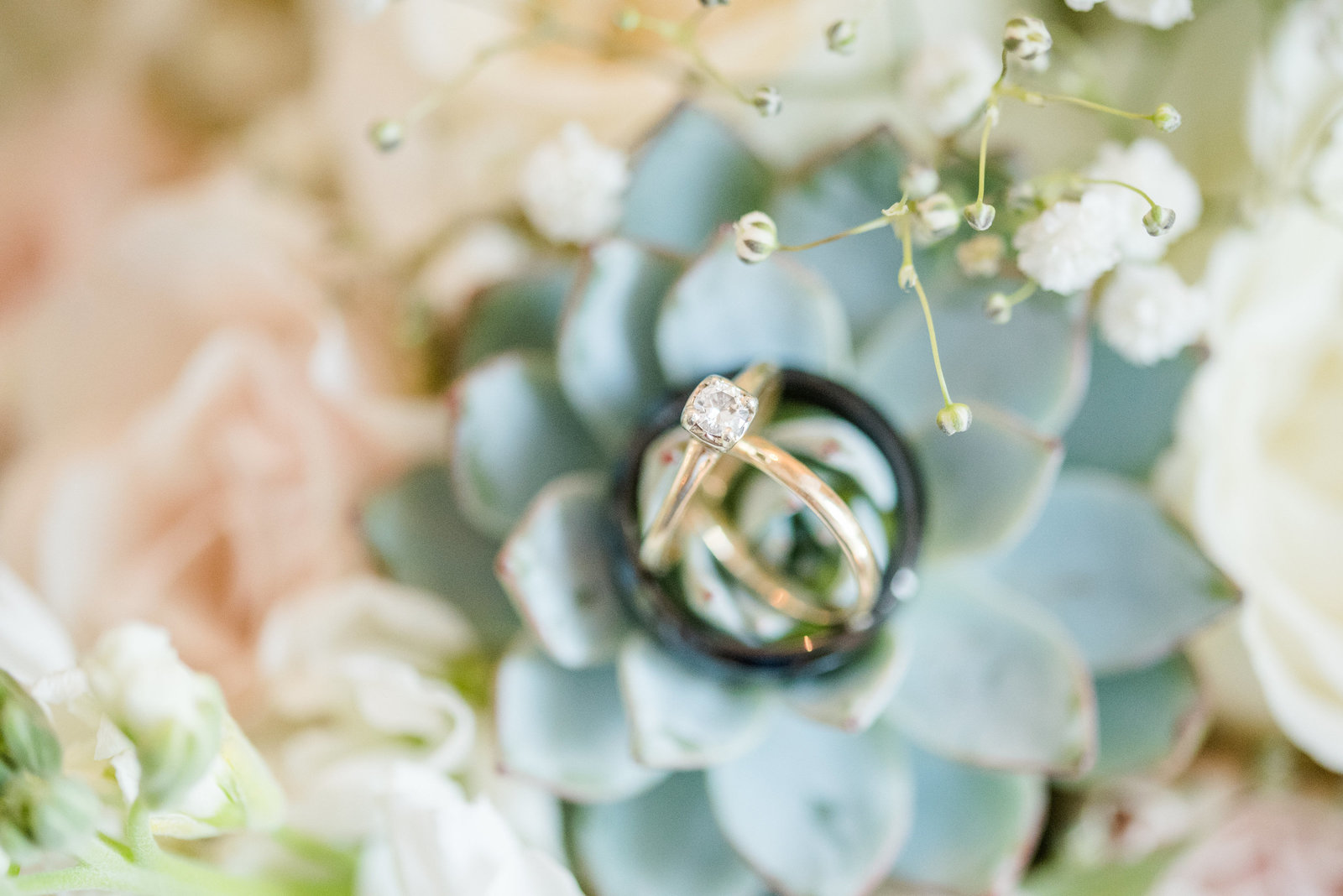 succulent-antique-wedding-ring-detail