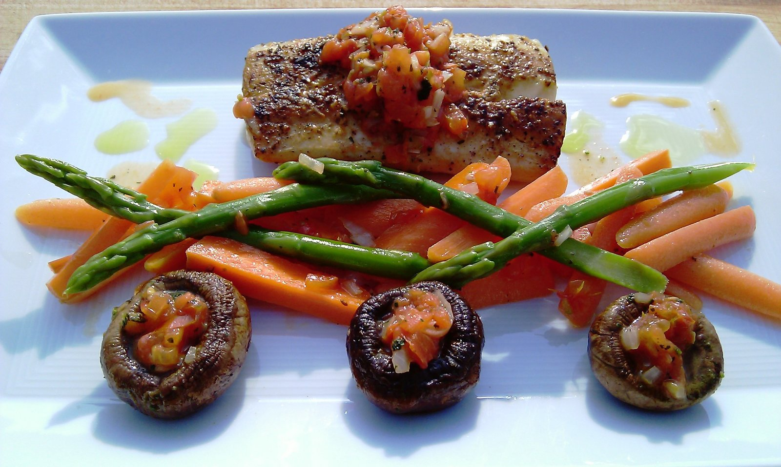 Mahi Baby Carrots Asparagus & Stuffed Mushrooms (10)