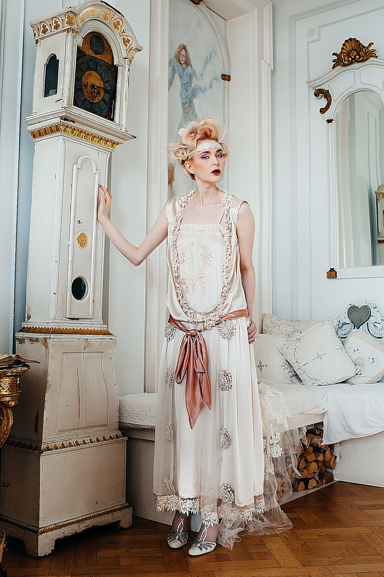 Marthe_1920s_style_flapper_wedding_dress_JoanneFlemingDesign (5)
