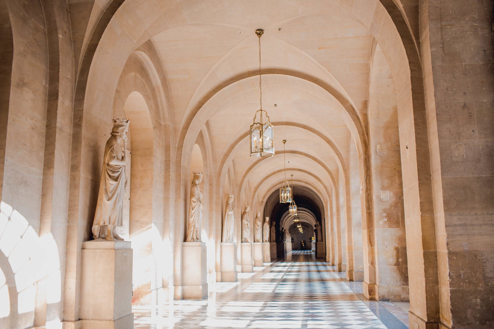 hallway-arch-palace-versailles-france-travel-destination-kate-timbers-photography-1645