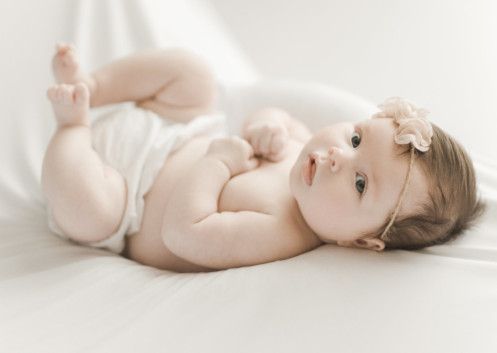 Bright, Airt Newbody baby girl photography toronto