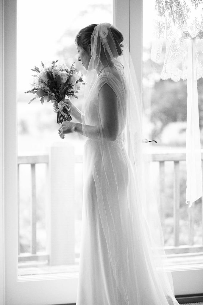 classic_ivory_silk_chiffon_wedding_dress_JoanneFlemingDesign (1)