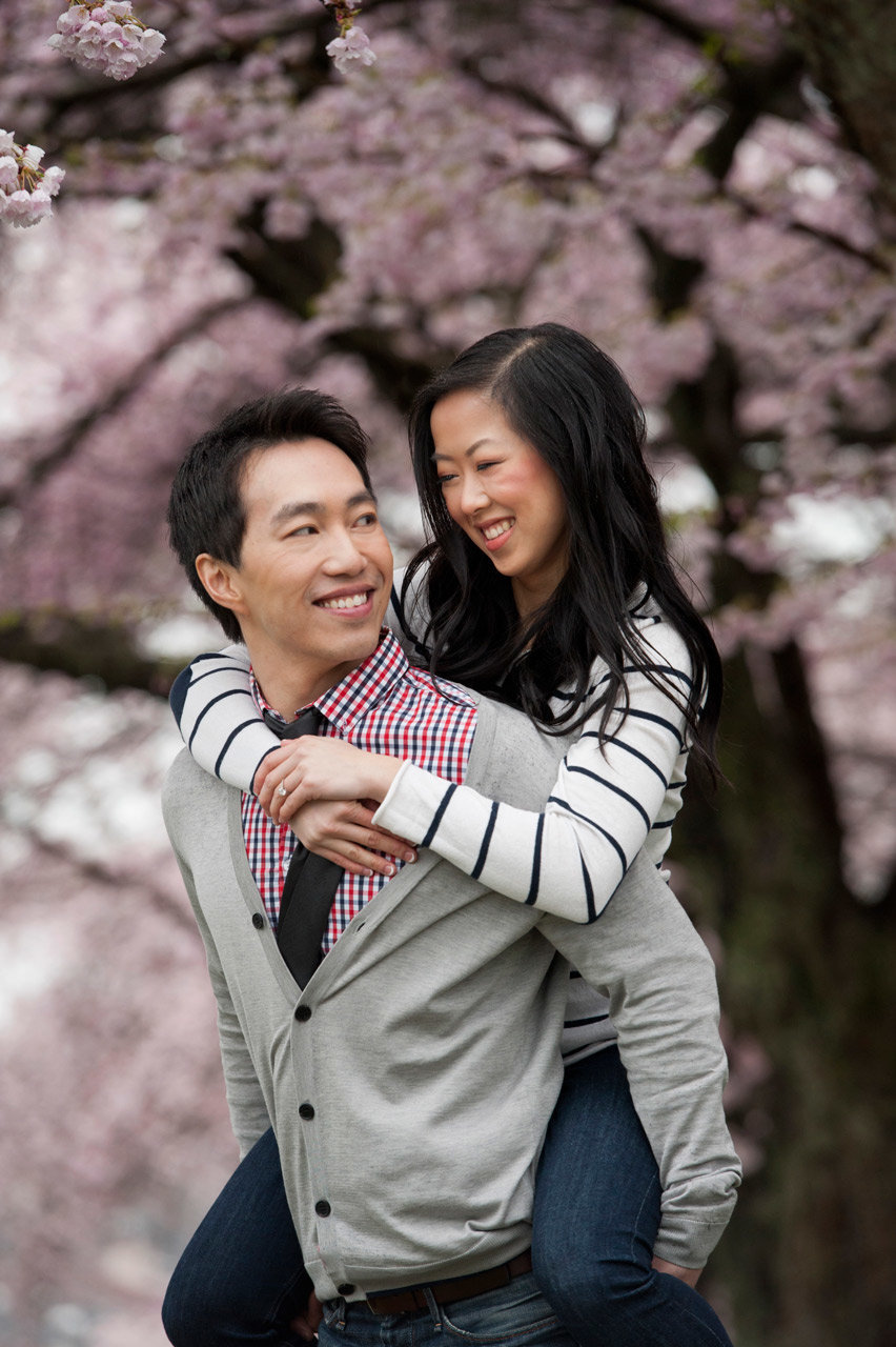 vancouver-wedding-photographer-best-wedding-photographer-cherry-blossom-engagement-photos-DE074