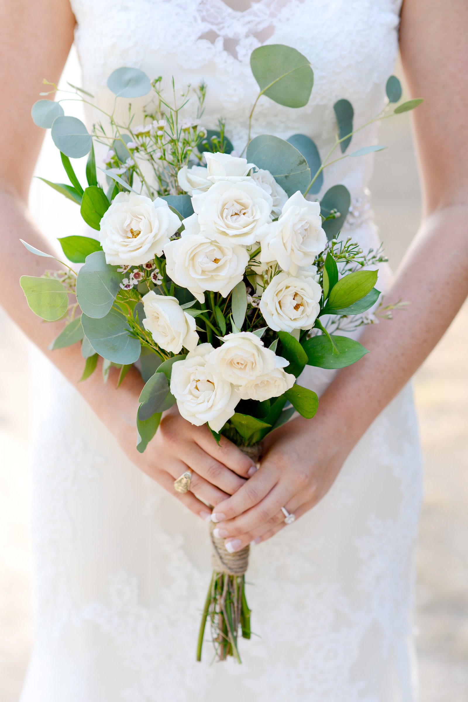 What to take to your bridal portraits: a wedding bouquet